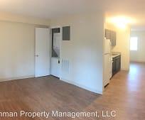 Living Room, 817 W High St