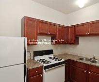 Kitchen, 933 N Waller Ave