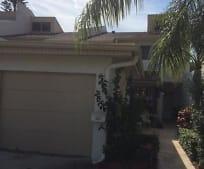 521 Summerset Ct, Satellite Beach, FL