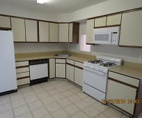 Kitchen, 225 W Leeds Ave