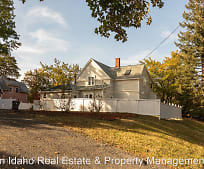 531 E 3rd St, Moscow, ID