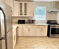395 Serena Rd, Hewlett, NY