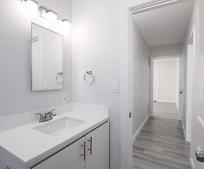 Bathroom, 2275 Chestnut Ave
