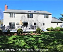 8 St Andrews Way, Fall River, MA