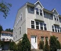 200 Hendrick Ave E, Baxter Estates, NY