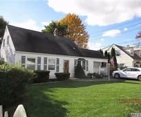 18 Birch Ln, Plainedge, NY