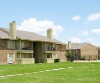 Building, 702 W Warrior Trail