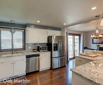 555 NW Fairhaven Dr, Oak Harbor, WA