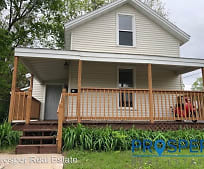 315 9th Ave, Hale, WI