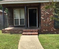 6 Charnisay Dr, Hattiesburg, MS