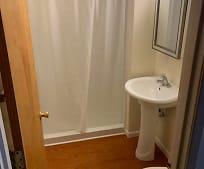 Bathroom, 346 SE Douglas St