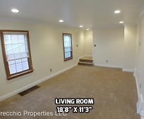 1206 Courtland Rd, Chester, WV