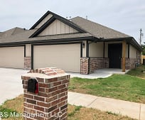 5213 Oakwood Villa Ct, Bethany, OK