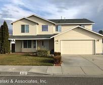 Building, 5107 Flores Ln