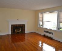 Living Room, 33 Oak Ave