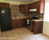 Kitchen, 1621 Line Cir