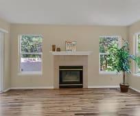 Living Room, 174 Creekside Ln