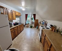 1344 Oakes St, Marinette, WI
