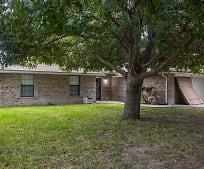 702 W 11th St, Del Rio, TX