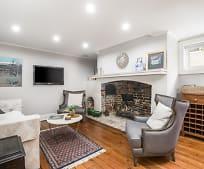 Living Room, 61 1/2 Tradd St