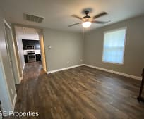 407 3rd St, Stanley, NC