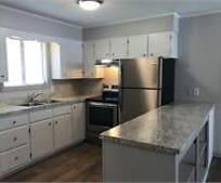 Kitchen, 107 Cedar Ln