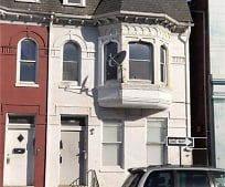 Building, 611 E Market St