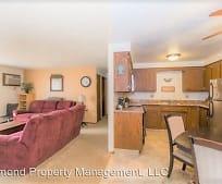Living Room, N3925 Washington Ave