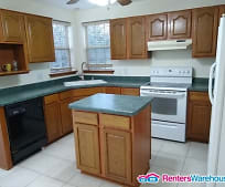 Kitchen, 205 Manchester Dr
