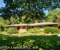 Building, 7131 Paterese Dr