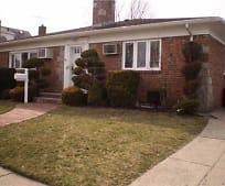515 S 12th St, New Hyde Park, NY