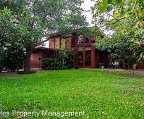 326 Larkwood Dr, Alamo Heights Junior High School, San Antonio, TX