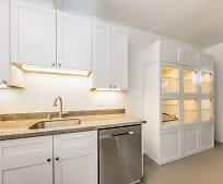 Kitchen, 670 Hayes St