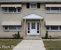 3694 S 68th St, Greenfield, WI