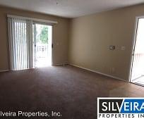 Living Room, 321 Inger Dr