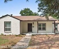 933 Keith Pumphrey Dr, River Oaks, TX