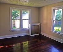 Living Room, 744 Lockwood St NE