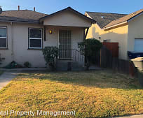 761 Mariposa Ave, Tulare, CA