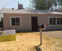 711 N Brown St, Hanford, CA