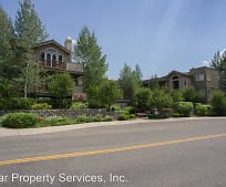110 Wood River Dr, Hailey, ID
