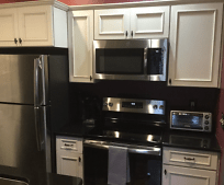 Kitchen, 613 E Ridgewood St
