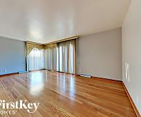 Living Room, 2716 W 84th St