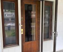 Building, 209 S Glenn St