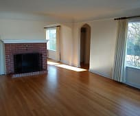 Living Room, 174 S 7th St