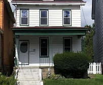 1022 Chartiers Ave, McKees Rocks, PA