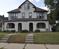 Building, 2524 NE Jackson St