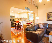375 S 4th St, Jacksonville, OR