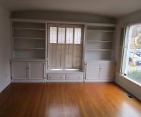 Living Room, 503 Evelyn Ave