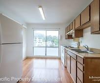 Kitchen, 133 Lakeview Cir