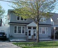 Building, 122 E Elm St